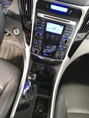 Bán Hyundai Sonata 2.0AT màu đen VIP số tự...