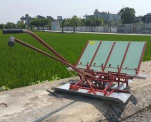 Máy cấy lúa mạ sân 4 hàng kéo tay thủ công mua ở đâu tại Nam Định giá rẻ nhất