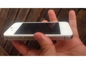 Mình bán con iPhone 4s trắng quốc tế