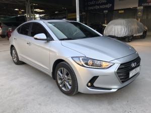 Bán Hyundai Elantra GLS 1.6AT màu bạc số tự động sản xuất 2018 biển tỉnh đi 12000 km