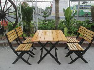 Bàn ghế gổ quán nhậu giá rẻ tại xưởng sản xuất HGH 653