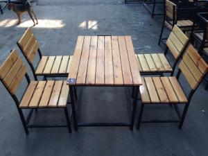 Bàn ghế gổ cafe giá rẻ tại xưởng sản xuất HGH 675