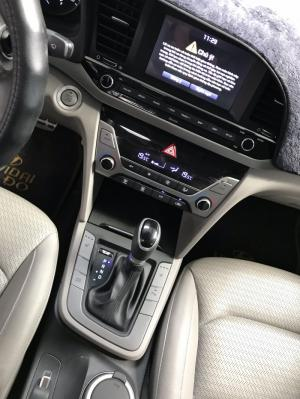 Bán Hyundai Elantra GLS 2.0AT màu bạc số tự...