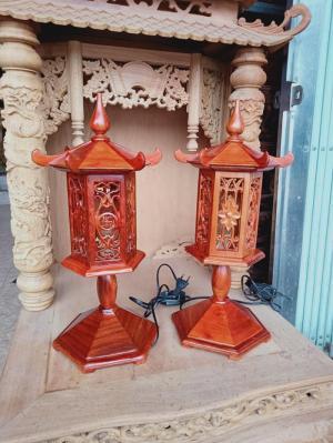 Cặp đèn thờ mái cong cao 48 cm gỗ hương