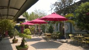 Bàn ghế và ô dù cafe giá rẻ tại xưởng sản xuất HGH 000792