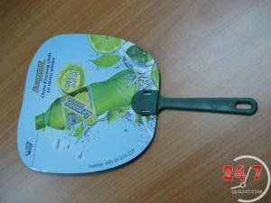 Quạt nhựa, quạt giấy, quạt decal in logo công ty làm quà tặng quảng cáo