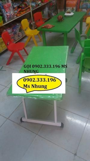 Chuyên bán bàn nhựa đúc trẻ em, bàn nhựa chân gập được