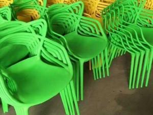 Ghế nhựa hàng nhập 100/ m