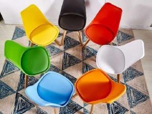 Ghế mặt nhựa chân gỗ nhập khẩu