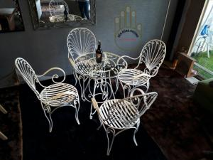 Bộ bàn ghế sắt đẹp để ngoài trời