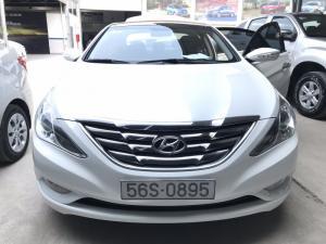 Bán Hyundai Sonata 2.0AT màu trắng số tự động nhập Hàn Quốc 2010 biển Sài Gòn 1 chủ