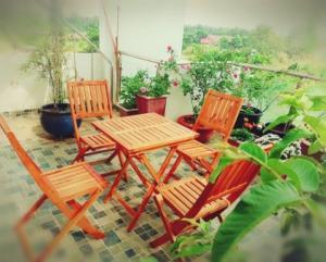 Thanh Lý Bộ Bàn Ghế Gỗ Cafe Giá Rẻ hcm-MMN