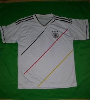 Áo bóng đá đội tuyển Đức và Chelsea