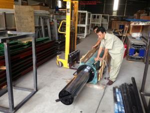 Bán bộ cầu 1 trụ rửa xe Airtek - Ấn Độ công suất 4 tấn, mới 100%, có sẵn, giá rẻ.