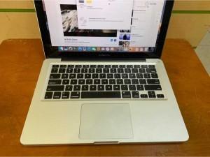 Macbook Pro 13 2011 i5 2.4 4g/ssd 250g đẹp nguyên zin