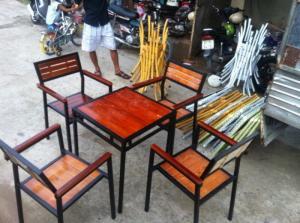 Bàn ghế gổ cafe giá rẻ tại xưởng sản xuất HGH 1032