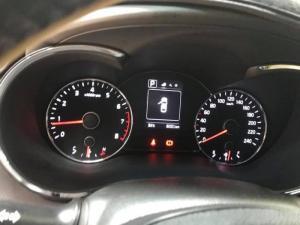 Bán Kia Cerato 1.6AT màu trắng số tự động sản...
