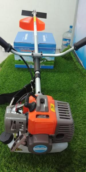 Máy cắt cỏ Tomikama bền bỉ đáng để bà con lựa chọn