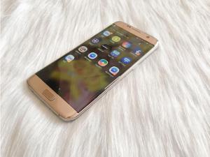Điện thoại samsung galaxy S7 edge(2sim) TB + chip : snap // cực hiếm + TẶNG bộ sạc cáp (250k)