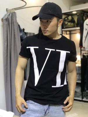 Áo thun nam đen in chữ VL trắng lớn AT0019