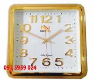 Địa chỉ làm đồng hồ treo tường in logo. đồng hồ treo tường quảng cáo