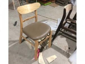 Ghế gỗ bọc niệm mặt tran
