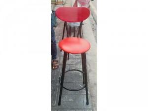 Ghế cao chân sắt sơn tĩnh điện bọc niệm