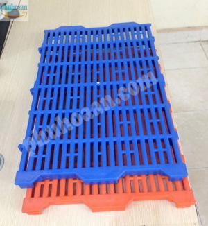 Tấm Nhựa Lót Sàn Chó Mèo Heo