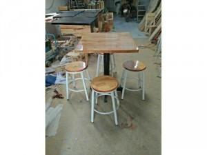 Bàn ghế cf sản xuất tại xưởng
