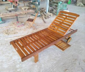 Ghế nằm hò bơi gỗ dầu NMT621