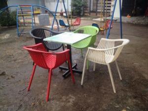 bàn ghế cafe mây nhựa giá rẻ tại xưởng sản xuất HGH 1217