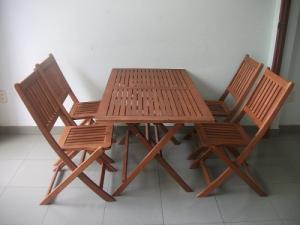 Bàn ghế gổ cafe giá rẻ tại xưởng sản xuất HGH 1224