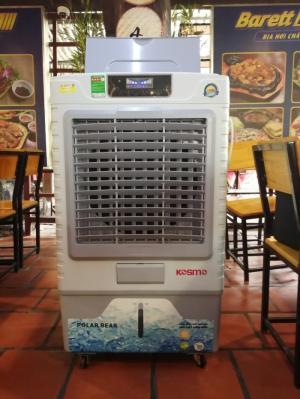 Máy làm mát không khí KOSMO Thái Lan được tặng 4 cục đá khô giúp làm mát nhanh hơn và sâu hơn