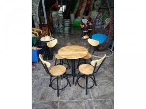 Bàn ghế sắt gỗ lùn giá rẻ
