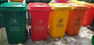 thùng rác 120l giá 750.000