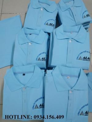 ổ cắt may áo thun đồng phục công ty bình dương