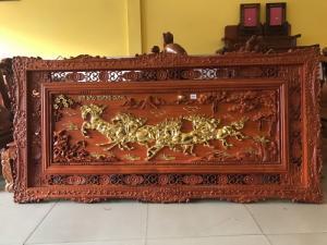 Tranh mã đáo thành công gỗ hương dát vàng 2m x 1m
