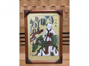 """Tranh Đông Hồ chất liệu giấy dó in màu, bức: """"Học trò chăn trâu"""", khung gỗ tự nhiên"""