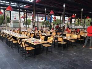 Bộ Bàn ghế gỗ dành cho quán ăn nhà hàng..