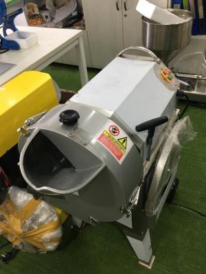 Máy thái rau củ quả Đài Loan, máy thái củ quả con chì, thái hạt lựu, thái đa năng