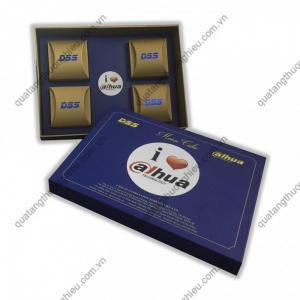 Hộp bánh in ấn logo thương hiệu công ty giá rẻ- Brandde quà tặng doanh nghiệp