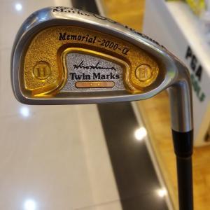 Bộ gậy golf irons 2 sao Honma Twin Marks cũ 1999 (qua sử dụng)