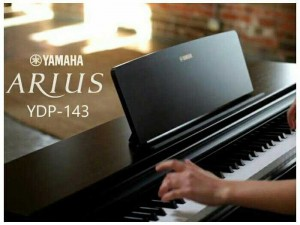 Yamaha YDP 143 like new