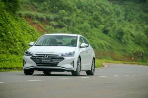 Hyundai Elantra 2.0 AT 2019 Khuyến MẠi Cực...