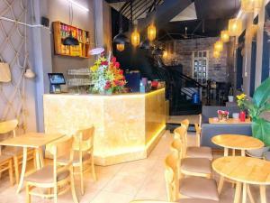 Thanh lý bộ bàn ghế cafe