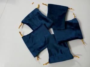 Sản xuất túi nhung dây rút đựng trang sức, vàng, vòng tay, quà