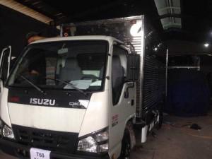 Xe Isuzu 2,2 tấn thùng kín, giao xe ngay