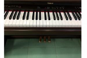 PIANO ROLAND HP3800G