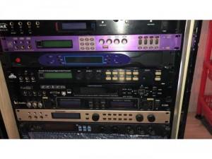 các thiết bị karaoke vang số main đẩy micro chất lượng chính hãng