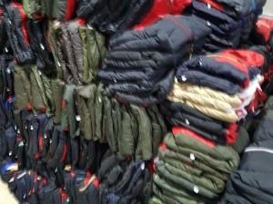 Thanh lý 500 áo gió trẻ em chằn gòn.